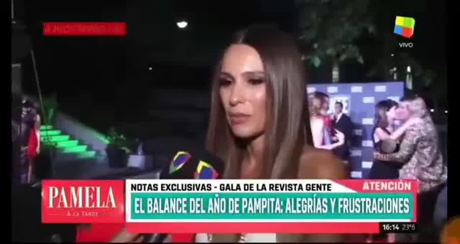 Pampita habló de las declaraciones de Vicuña en la tapa de CARAS