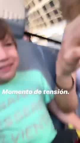 Jimena Barón en Disney con Momo