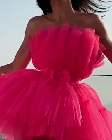 """El vestido \""""low cost\"""" de Kendall Jenner que revolucionó Cannes"""