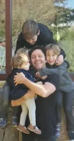 Benjamín Vicuña y sus hijos