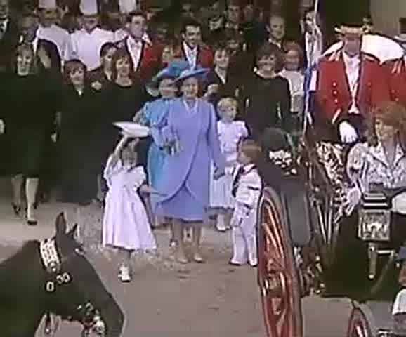 Isabel persiguiendo a William