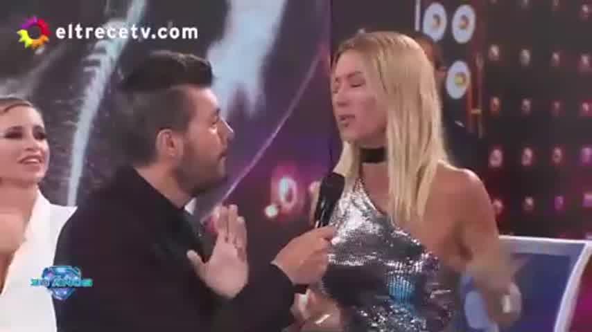 Nicole Neumann debutó como jurado del Súper Bailando y se llevó todas las miradas