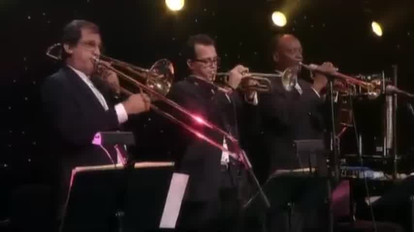 Roberto Carlos - Yo Sólo Quiero (Un Millón De Amigos) (Video En Vivo - Stereo Version)