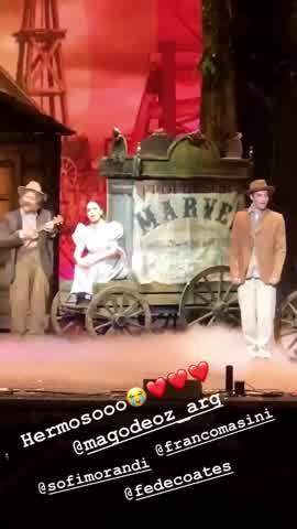 Tras los rumores, Malena Narvay y Julián Serrano fueron a ver a Sofi Morando al teatro 2