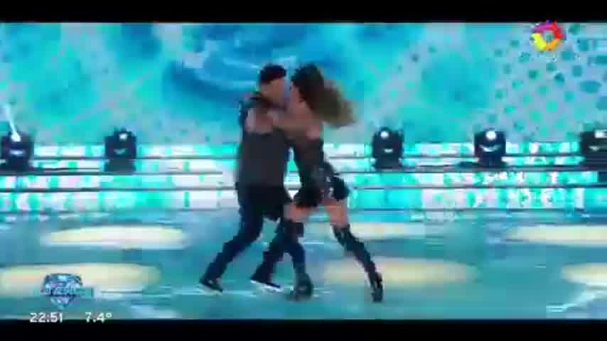 El beso entre Lourdes Sánchez y Fede Bal que generó polémica en el Bailando