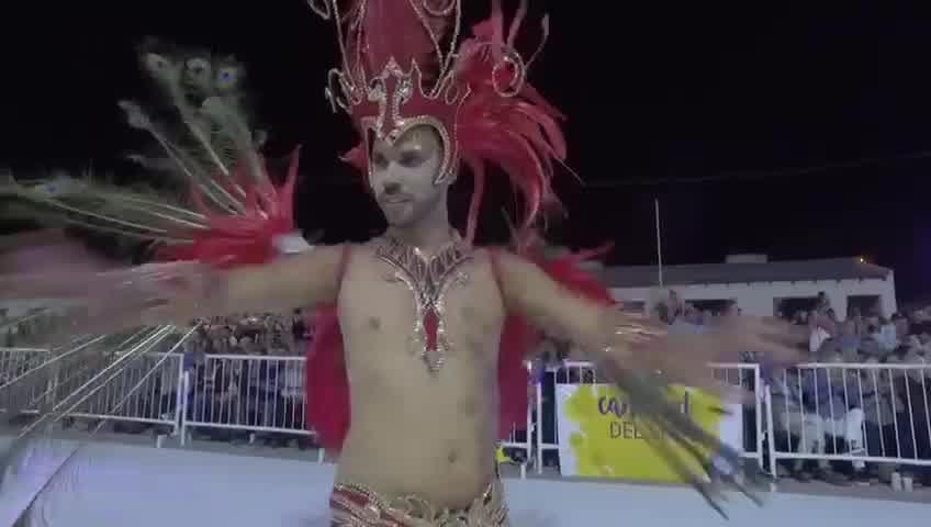 Charlotte Caniggia participó del Carnaval de Dolores e hizo un inesperado anuncio