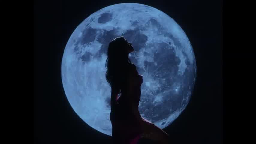 Oriana luna llena video oficial