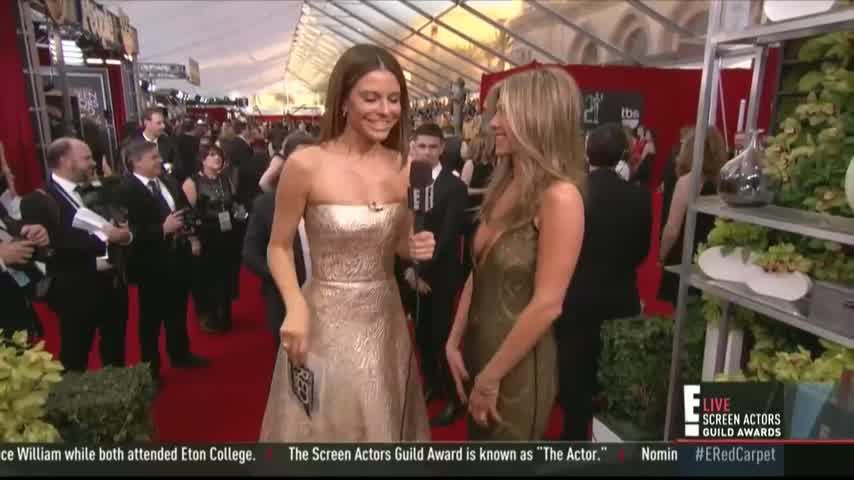 Jennifer Aniston no muestra sus manos