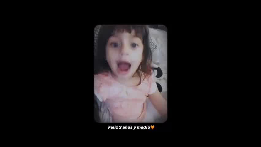 La hija de Rulo y Gabriela Sari revolucionó la red cantando como Calamaro