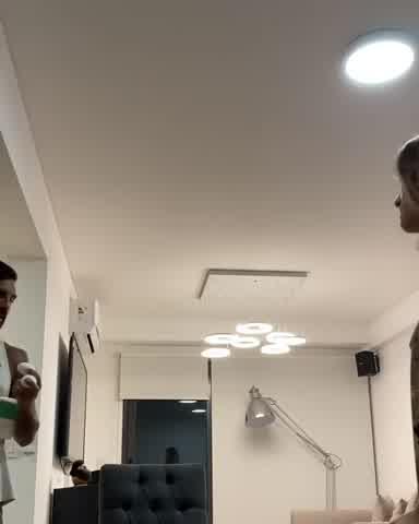 Fabián Cubero hace bromas pesadas a Mica Viciconte en la cuerentena