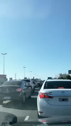 Yanina Latorre varada en la autopista