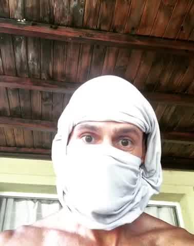Christian Sancho te enseña cómo hacer un barbijo con un bóxer