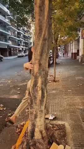 Sofía Jujuy bailando en la calle en plena cuarentena
