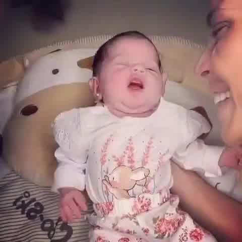 Virginia Gallardo presentó a su hija, Martina