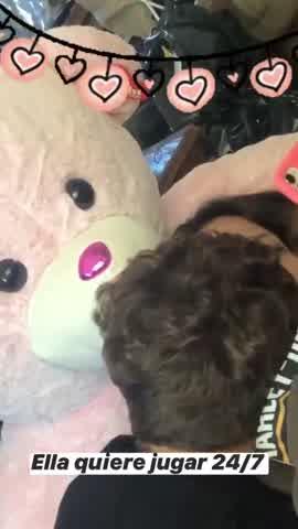 Barbie Vélez a los besos con su novio