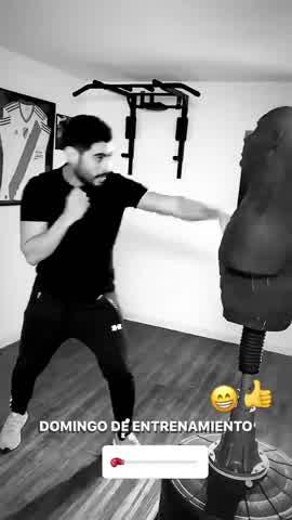 Facundo Moyano boxeando