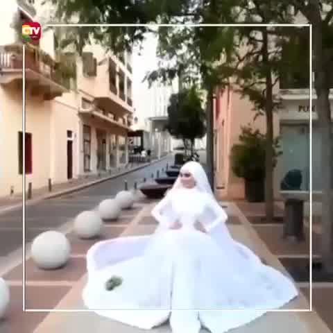 NOVIA POSABA PARA UNA SESIÓN FOTOGRÁFICA CUANDO FUE SACUDIDA POR EXPLOSIÓN EN BEIRUT