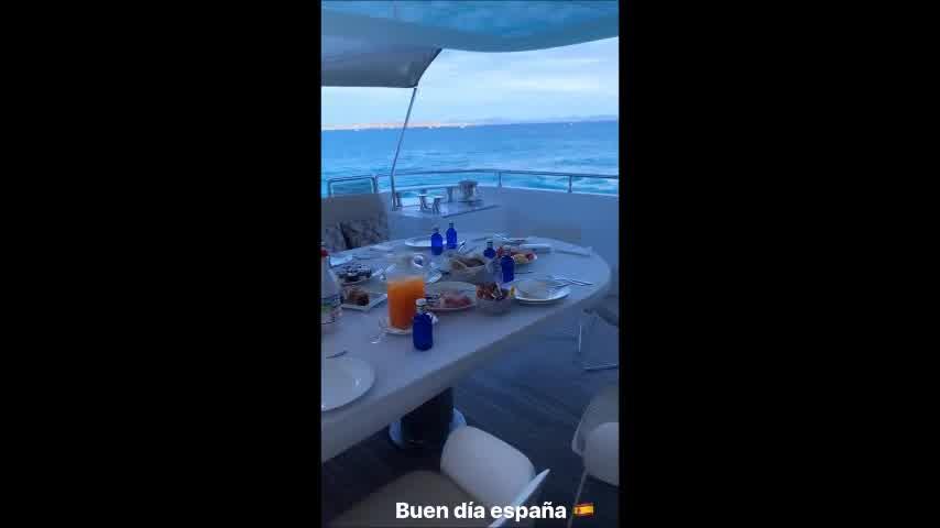 Mirá el lujoso Yate donde Wanda Nara y su familia pasan sus vacaciones en Ibiza