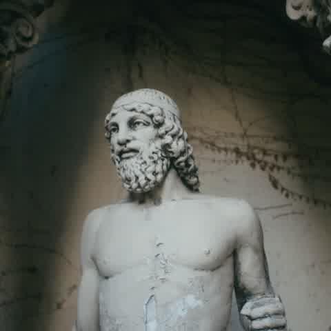 "\""La casa de las estatuas\"" teaser"