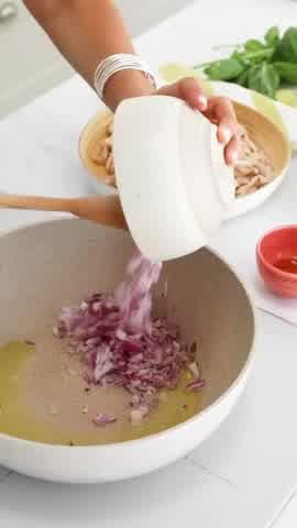 Taquitos de pollo: la receta de Tefi Russo para la cena de esta noche