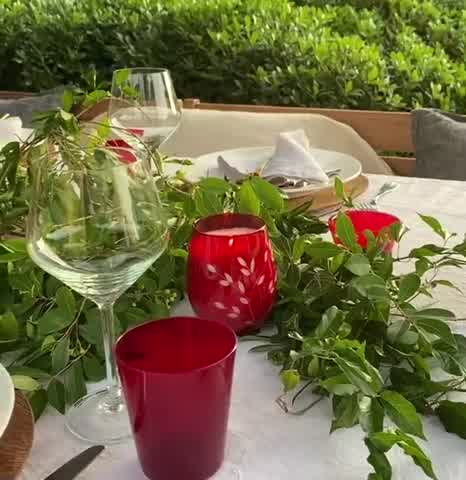 Juliana Awada te muestra cómo decorar la mesa perfecta