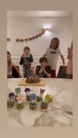 Cumpleaños de Constantino López: Wanda Nara e Icardi debutaron como pasteleros