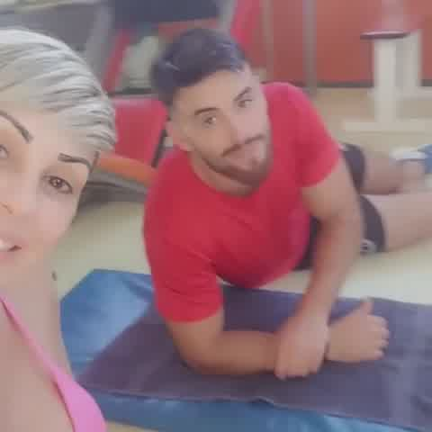 Mónica Farro presentó a su hijo y sus seguidores enloquecieron