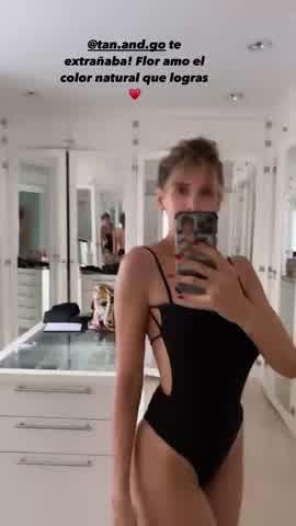 En traje de baño, Guillermina Valdés mostró su lujoso vestidor