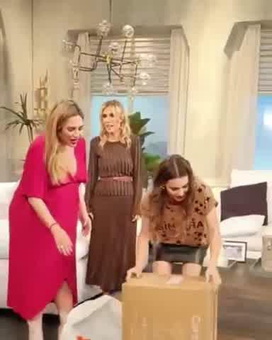Belén Francese sorprendió a Pampita son un regalo para su beba en camino