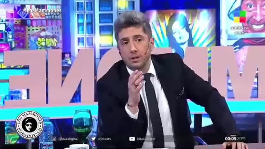 """Nazarena Vélez reveló que se \""""chapó\"""" a Luis Miguel y que él quería \""""algo más\"""" que un beso"""