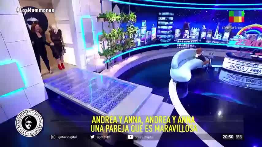 Andrea del Boca y su hija Anna con Jey Mammón 😎 - Los Mammones