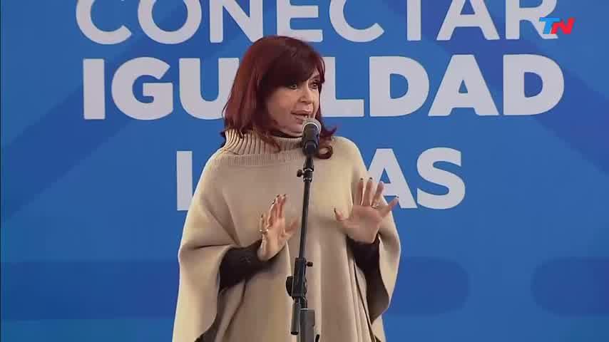 CRISTINA KIRCHNER puso de ejemplo a L-GANTE al hablar del Conectar Igualdad