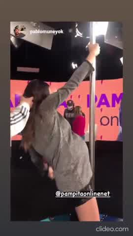 A días de dar a luz, Pampita se animó al baile del caño
