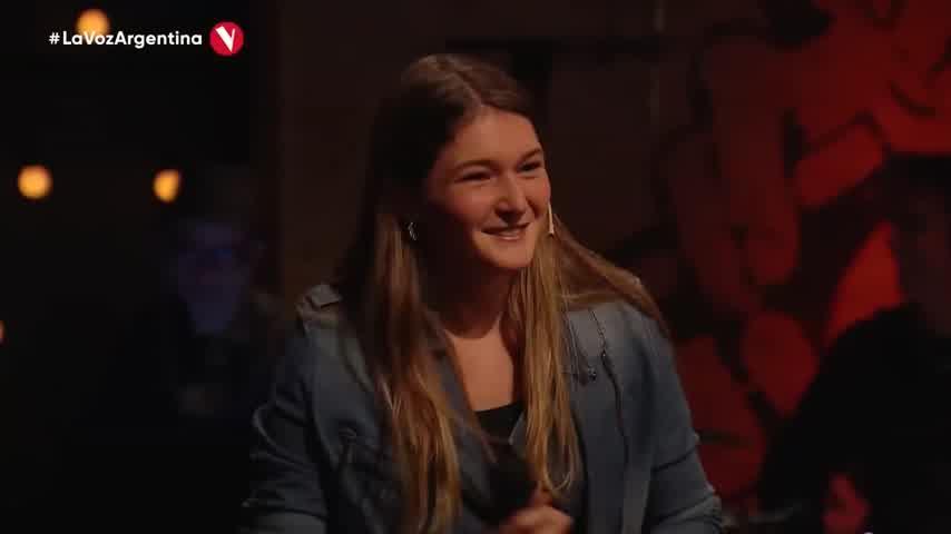 """La emoción de Abel Pintos con una participante de """"La Voz"""""""