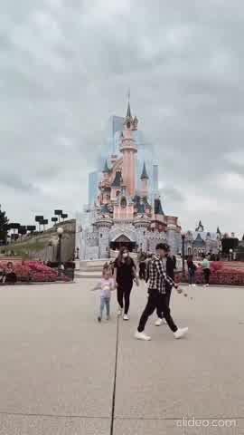 Zaira y Wanda Nara, sueltas por París: fin de semana en Disney sin los chicos