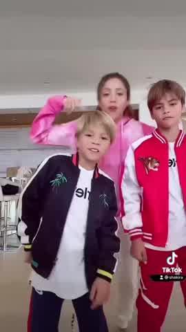 Shakira compartió una tierna foto con sus hijos y sorprendió