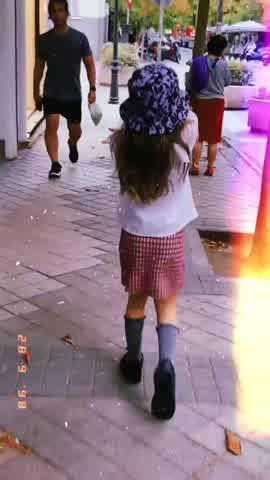 El particular look que eligió la China Suárez y Rufina para pasear por las calles de Madrid