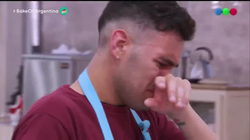 Emilio llorando en Bake off
